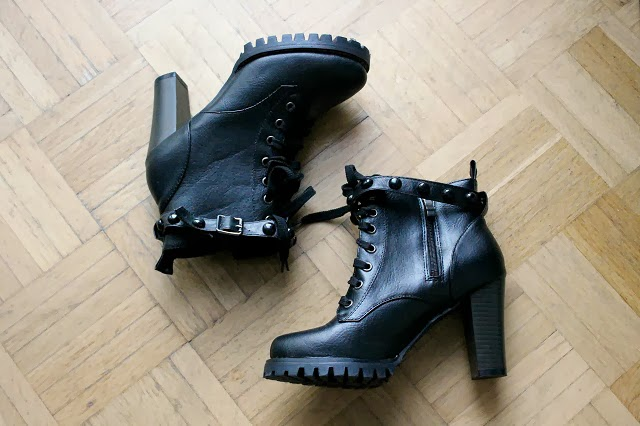 New in: Chicwish boots