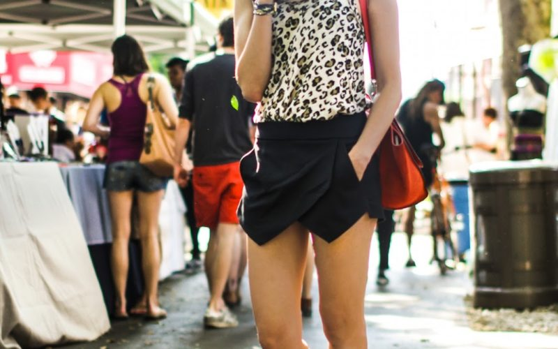 Hester_Street_Fair_Lower_East_side_NYC_New_york_Flea_market_Chriselle_Lim_zara_skort_stuart_Weitzman_gladiator_sandals_4