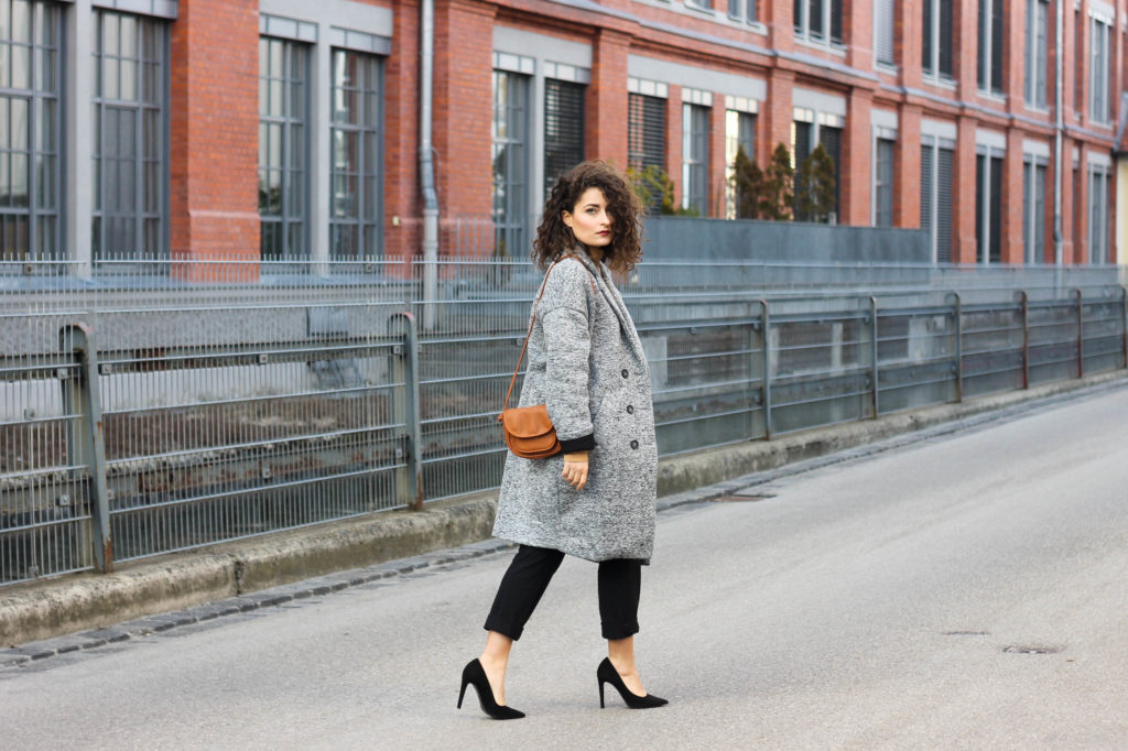 Looking chic with an oversize coat